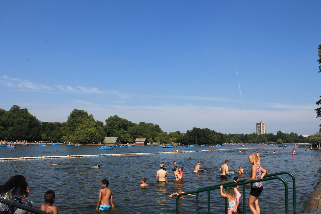 serpentine beach, London