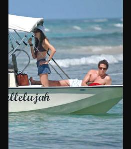 spiaggia delle barbados, con Hugh Grant