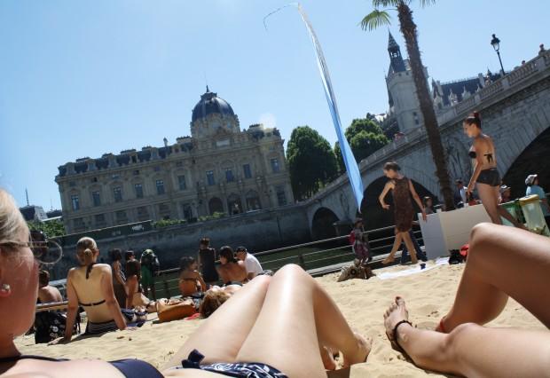 spiaggia sulla senna, parigi