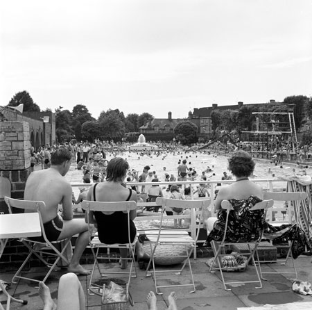 1339952501497_01_twickenham-lido-c-frederick-j-wilfred-courtesy-of-museum-of-london